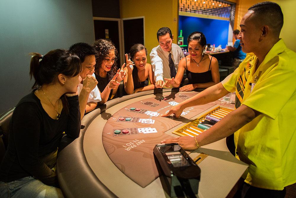百家樂娛樂城預測開牌-下注莊閒